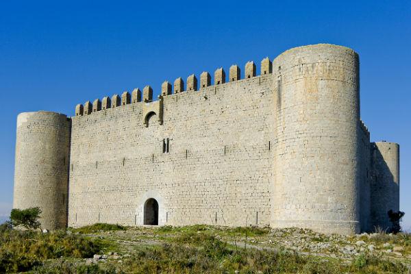 Visita al castell del Montgri (el castell de la muntanya gris)