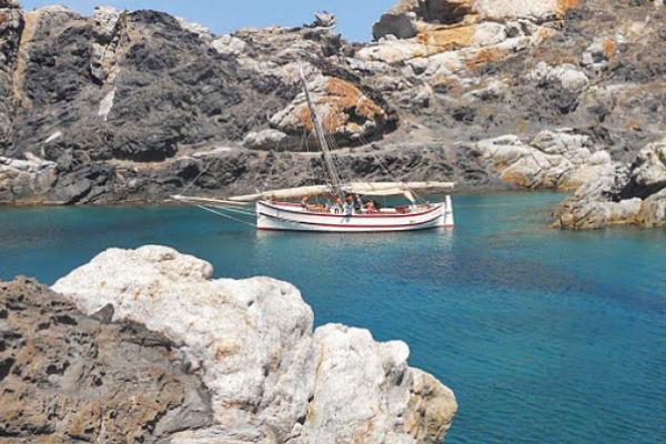 Excursions marítimes i de pesca amb l'Estada en els apartaments de lloguer SA Gavina a l'Estartit