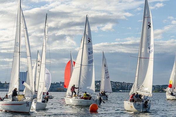 Competicions nàutiques durant la temporada d'obertura dels apartaments de lloguer SA Gavina a l'Estartit