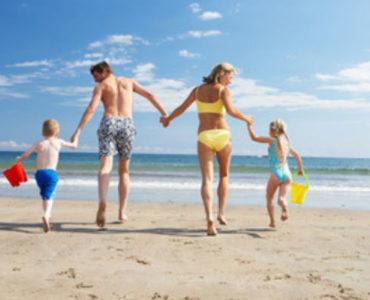 A la platja amb la familia